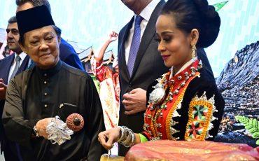 https___cdn.cnn.com_cnnnext_dam_assets_190307124619-tourism-minister-mohamaddin-ketapi-berlin-itb