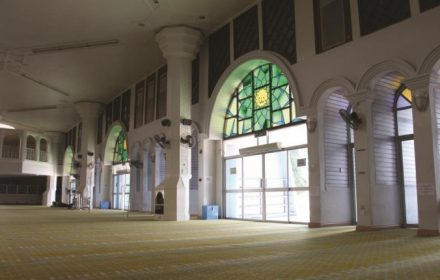 MASJID AL-MUKTAFI BILLAH SHAH (STATE MOSQUE)