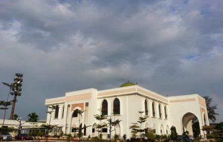 Masjid Andalusia, Bandar Laguna Merbok